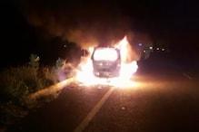गौतमबुद्धनगर: NH-91 पर दौड़ती वैगन आर कार में अचानक लगी आग, मिनटों में स्वाहा