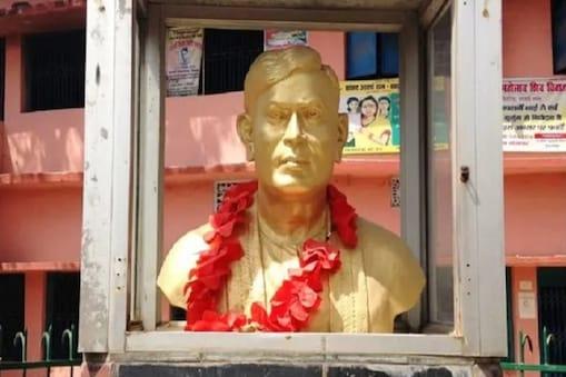 राष्ट्रकवि रामधारी सिंह दिनकर का जन्म 23 सितंबर 1908 को हुआ था.