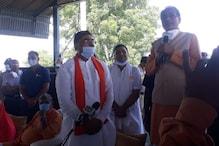 Photos: सोफे पर चढ़कर CM शिवराज बोले-जनता जहां कहेगी मैं वहां खड़ा हो जाऊंगा