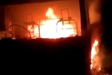 रायबरेली में दबंगों ने खड़ी बोलेरो में लगाई आग, फिर पूरे गांव में घूमे
