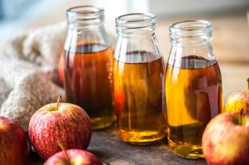 सेब का सिरका कभी भी खट्टे फलों के साथ नहीं लेना चाहिए, क्योंकि एप्पल विनेगर में पहले से ही एसिटिक एसिड काफी मात्रा में मौजूद होता है.