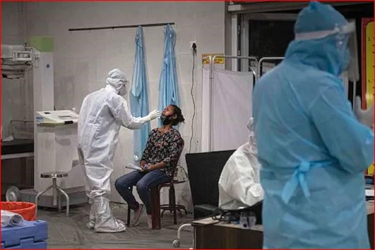 रायपुर. छत्तीसगढ़ में पिछले 24 घंटों के दौरान 2,942 और लोगों में कोरोना वायरस के संक्रमण की पुष्टि हुई. राज्य में इस वायरस से संक्रमित हुए लोगों की संख्या बढ़कर 98,565 हो गई है. राज्य में शुक्रवार को 710 लोगों को संक्रमण मुक्त होने के बाद अस्पतालों से छुट्टी दी गई, वहीं 5125 लोगों ने घर में पृथक-वास पूर्ण किया है. राज्य में कोरोना वायरस से संक्रमित 11 लोगों की मौत हुई है.