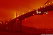 Photos: US में लॉस एंजिल्स से सिर्फ 70 km दूर रह गयी है आग, आसमान हुआ लाल