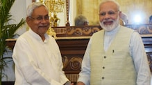 बिहार विधानसभा चुनाव: पीएम मोदी के बल पर नीतीश सरकार विकास की राजनीति में उतरी