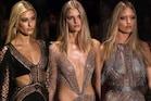 फैशन इंडस्ट्री के ये 10 Dirty सीक्रेट्स छुपाती हैं Models, ये बातें नहीं करतीं किसी से शेयर