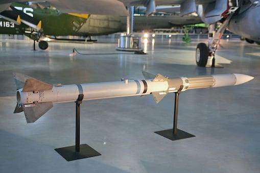 एंटी रेडिएशन मिसाइल (Anit Radiation Missile) की तकनीक आधुनिक है जिसे बहुत कम देशों के पास है. इसलिए भारत की यह परीक्षण अहम है. (प्रतीकात्मक तस्वीर)