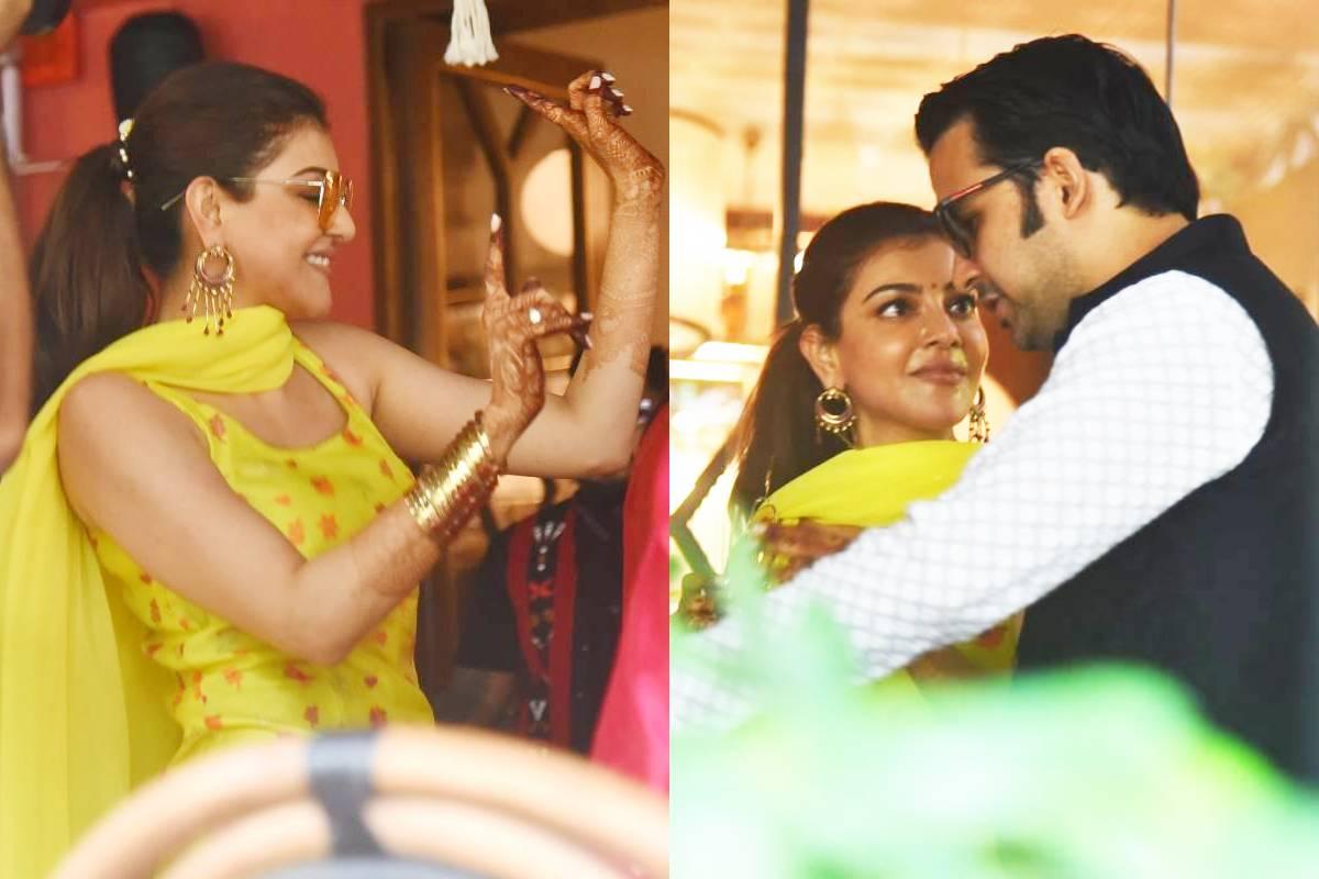 नई दिल्ली. बॉलीवुड में इन दिनों शादियों का दौर शुरू हो चुका है. अभी कुछ दिन पहले ही बॉलीवुड की मशहूर सिंगर नेहा कक्कड़ (Neha Kakkar) ने शादी रचाई और अब साउथ से लेकर बॉलीवुड तक अपनी पहचान बना चुकीं एक्ट्रेस काजल अग्रवाल (Kajal Aggarwal) शादी करने जा रही हैं, जिसका जश्न भी अब शुरू हो चुका है और तस्वीरें भी सामने आने लगी हैं. (फोटो साभार: Viral Bhayani)