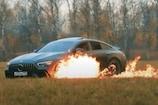 यूट्यूबर ने अपनी एक करोड़ की मर्सिडीज को लगा दी आग, वीडियो हुआ वायरल
