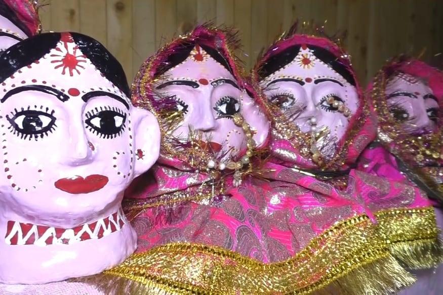nainital, devi statue made by coconut, गोबर, अखबार और खड़िया मिट्टी के लेप से निर्मला भट्ट इनको तैयार करती है तो घर की बहू-बेटी इन पर चित्रकारी कर रंगों से मां के स्वरूप को और आकर्षक बना रही हैं.