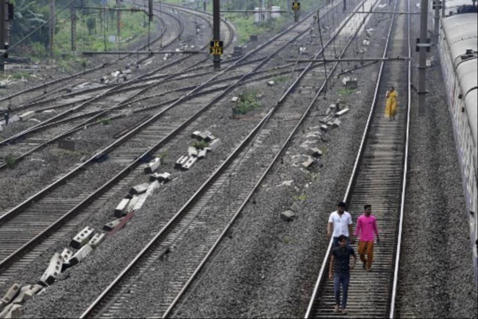 mumbai power cut, mumbai electricity, power outage, what is black out, मुंबई पावर कट, मुंबई बिजली बिल, मुंबई बिजली कटौती, ब्लैक आउट का अर्थ
