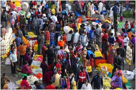 सबसे ज्यादा खराब हालत इन दिनों दिल्ली की है. यहां औसतन हर रोज़ 6 हज़ार से ज्यादा नए केस सामने आ रहे हैं. (फोटो- AP)