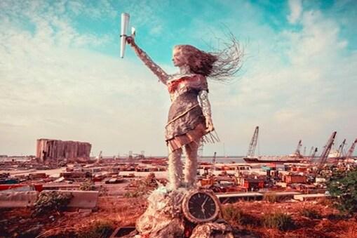 लेबनान विस्फोट के कचरों से नजीर आयत ने खूबसूरत मूर्ति बनाई. फोटो: Instagram