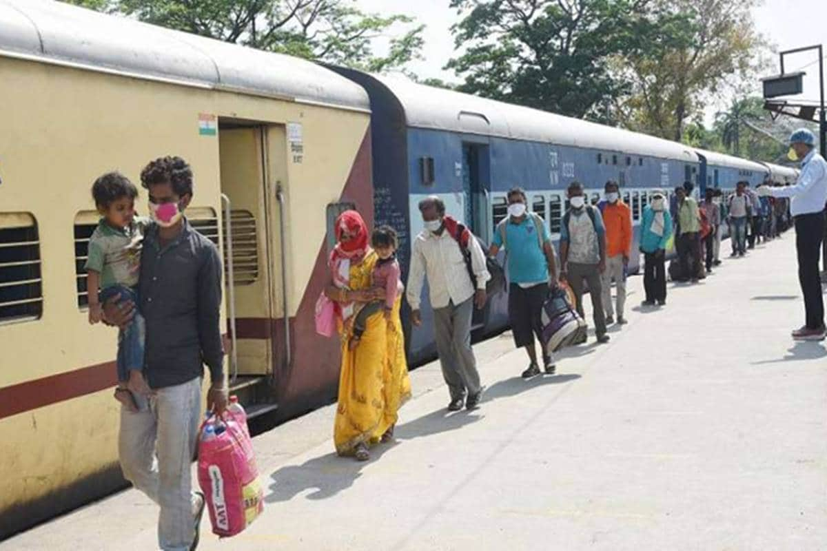 indian railways cancelled many trains due to traffic block NDSS