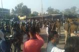 Bhopal : भारी पुलिस बल की मौजूदगी में रेलवे की ज़मीन से हटा दिया ईरानी डेरा