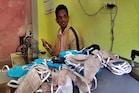 PHOTOS: सिरमौर में कोरोना से बचाव के लिए दर्जी ने मुफ्त 10 हजार मास्क बांटे