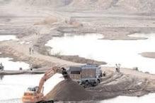 ठेकेदारों का कारनामा: नर्मदा में रेत खनन पर NGT सख्त, मांगी रिपोर्ट