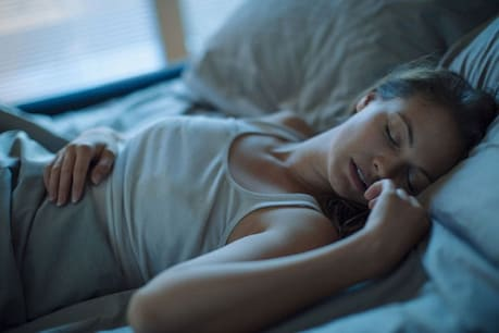 Sleeping early or late is dangerous for health, take care of time