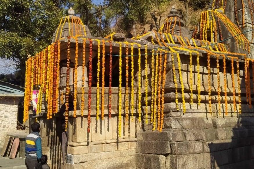 Aadi Badri Kapat Opening, आज प्रातः ब्रह्म मुहूर्त में पूजा अर्चना के बाद भगवान आदि बदरी मन्दिर के कपाट आम श्रद्धालुओं के लिए खोल दिए गए.