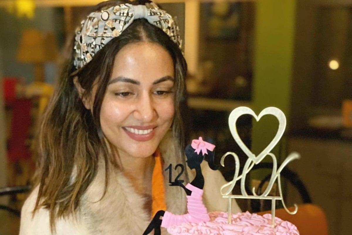Hina Khan, Actress Hina Khan completes 12 years celebrate by cutting cake, social media, viral news, tv, news 18 hindi