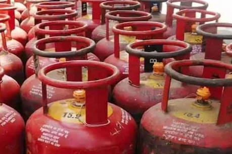 With the help of Aadhaar card, you can take LPG cylinders at a cheaper rate.