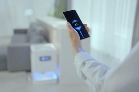 Mi Air Charge से डिवाइस को हवा में चार्ज किया जा सकता है.