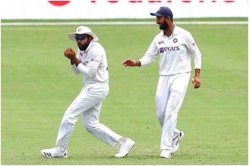 IND VS ENG: रोहित शर्मा ने हरभजन सिंह के एक्शन की नकल की (PIC: AP)