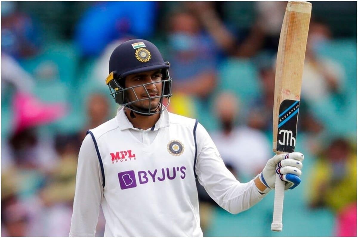भारत और ऑस्ट्रेलिया के बीच ब्रिस्बेन के गाबा में खेले गए बॉर्डर गावस्कर ट्रॉफी के चौथे और अंतिम टेस्ट मैच की दूसरी पारी में शुभमन गिल ने 91 रन की शानदार पारी खेली. अपनी इस पारी के साथ ही शुभमन गिल ने पूर्व भारतीय ओपनर सुनील गावस्कर का 50 साल पुराना रिकॉर्ड तोड़ दिया है. शुभमन टेस्ट मैच की चौथी पारी में अर्धशतक लगाने वाले सबसे युवा भारतीय ओपनर बन गए है. (PIC: AP)