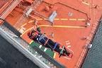 भारतीय नौसेना ने समुद्र में बचाई मलेशियाई महिला की जान, सूचना पर तुरंत पहुंचे 33 KM