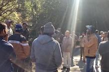 PHOTOS: नैनीताल में रोपवे के लिए संरक्षित वन क्षेत्र में पेड़ कटान का विरोध