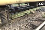 PHOTOS: अमृतसर से जयनगर जा रही ट्रेन के 2 डिब्बे पटरी से उतरे, टला बड़ा हादसा