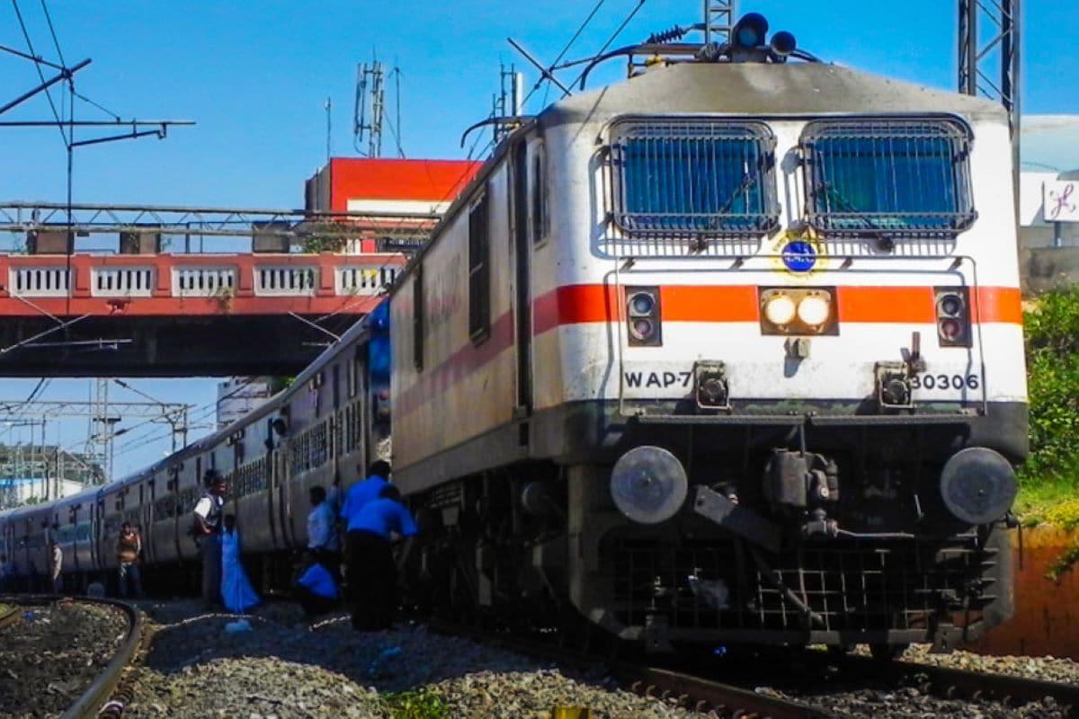 रेलवे समाचार: बरेली से गुजरात के लिए रेलवे ने इन विशेष ट्रेनों को चलाने का निर्णय लिया, जानें कब-कब चल रही है?