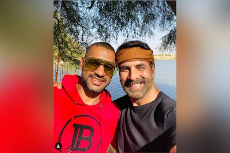 Shikhar Dhawan and Akshay Kumar (Photo courtesy: Instagram @shikhardofficial)
