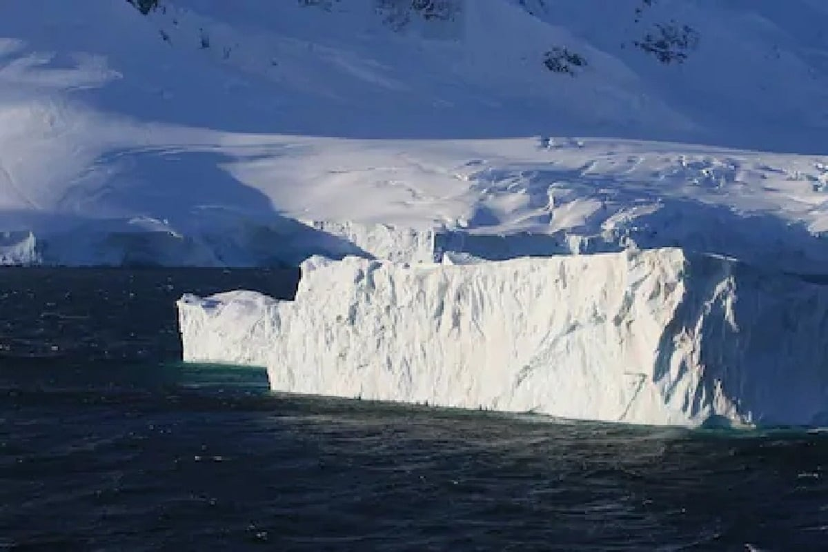 Environment, Antarctica, Climate Change, Global Warming, Greenhouse gases, Rate of Melting,
