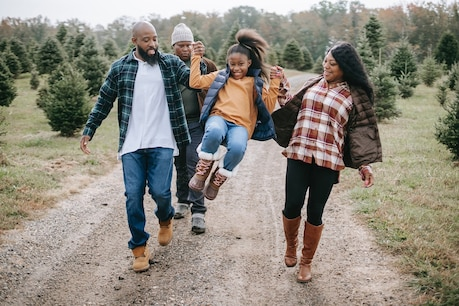 Become friends with your children  Image: Any-Lane / Pexels