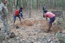 नक्सलियों की करतूत: सरेंडर करने वाले साथी के पिता की हत्या कर शव दफनाया