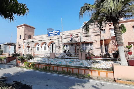 Dam Kothi of Haridwar is one of the oldest guest houses in the state.