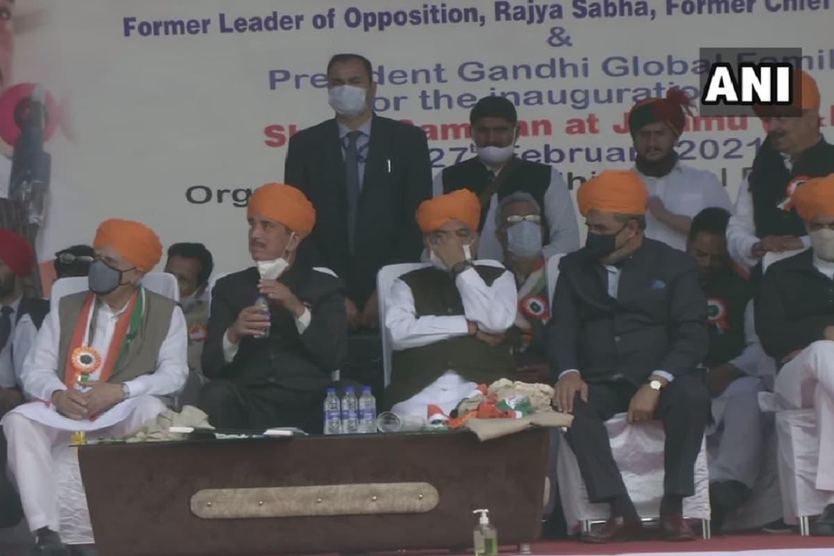 कांग्रेस में सोनिया-राहुल के खिलाफ खुली बगावत?  आजाद के समर्थन में लामबंद हुए 'जी -23' के नेता