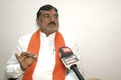 किसानों की कर्ज माफी के मुद्दे पर मध्य प्रदेश विधानसभा में बुधवार को जमकर हंगामा हुआ.