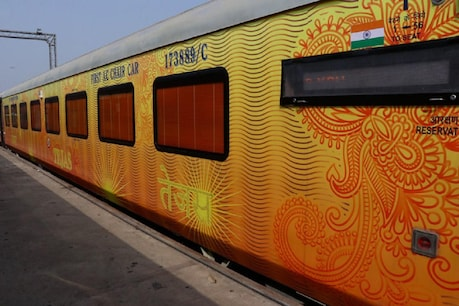 Train number 82902/82901 Ahmedabad-Mumbai Central-Ahmedabad Tejas Express operated by IRCTC will remain canceled from April 2 to April 30.