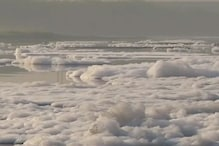 लॉकडाउन में साफ हुई यमुना में फिर बढ़ा प्रदूषण, नदी में दिख रहा झाग का अंबार