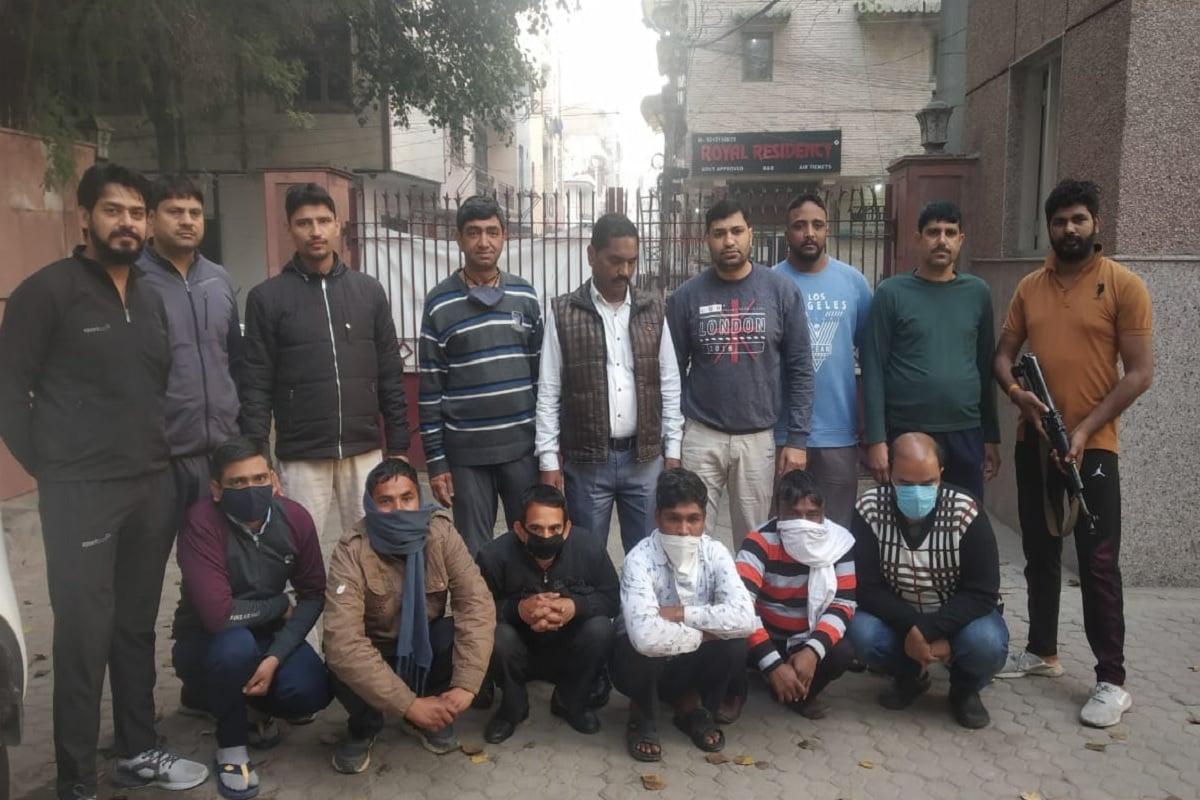Delhi Police, special cell, 4500 cartridges, live cartridges, 6 लोग गिरफ्तार, हरियाणा, दिल्ली, यूपी, दिल्ली पुलिस, स्पेशल सेल, जिंदा कारतूस, दिल्ली न्युज, क्राइम इन दिल्ली, दिल्ली पुलिस हरियाणा के अंबाला के एक गन हाउस से इन सप्लायर तक पहुंचे थे.delhi police special cell Big action 6 people arrested with 4500 live cartridges nodrss