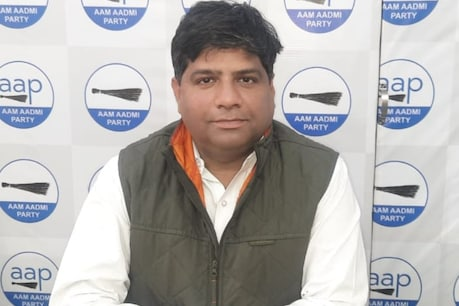 AAP's Uttarakhand in-charge Dinesh Mohania said that a cabinet minister and 4 MLAs will join his party very soon.