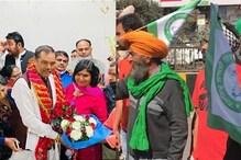 राष्ट्रीय अनुसूचित जाति आयोग के चेयरमैन का अंदर स्वागत, बाहर विरोध