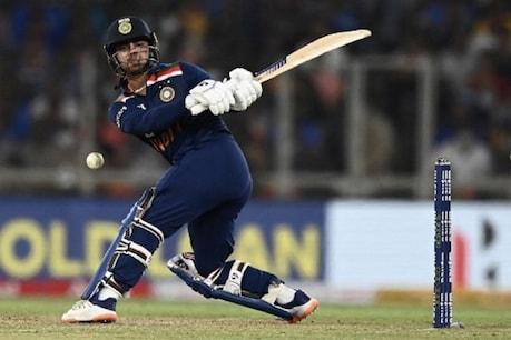 ईशान किशन ने अपने पहले ही टी20 मैच में अर्धशतक जड़ दिया था (फोटो-एएफपी)