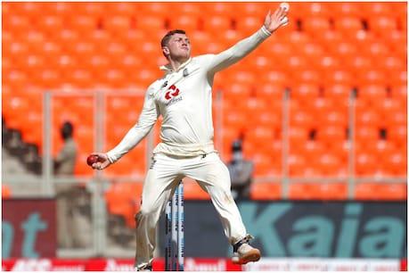 डॉम बेस दो टेस्ट में सिर्फ 5 विकेट ले सके थे. (AP)