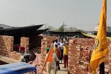 दिल्ली की सीमाओं पर आंदोलन कर रहे किसान अब बना रहे हैं पक्के घर