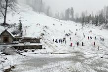Snowfall in Himachal: मनाली और रोहतांग में बर्फबारी, टूरिस्ट के लिए अटल टनल बंद