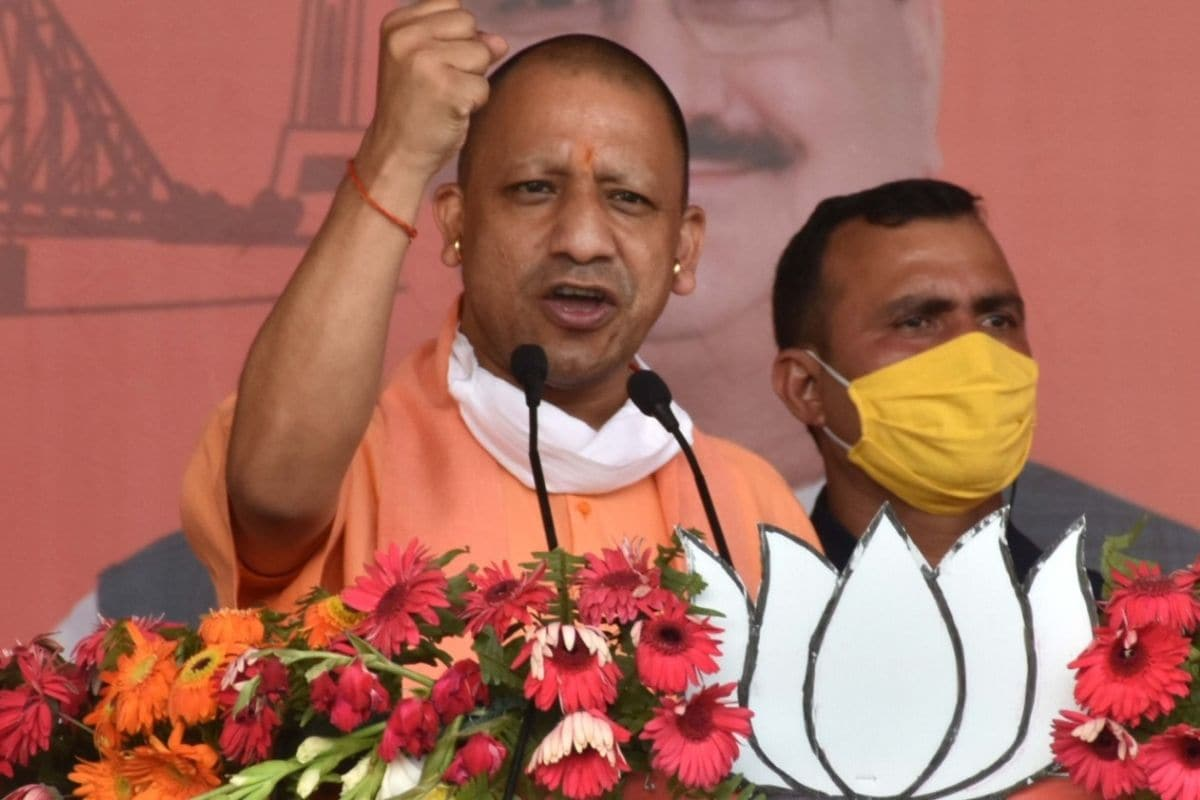 ममता के गढ़ में गरजे सीएम योगी, कहा- बंगाल में 2 मई के बाद TMC के गुंडे की मांग होगी कीख