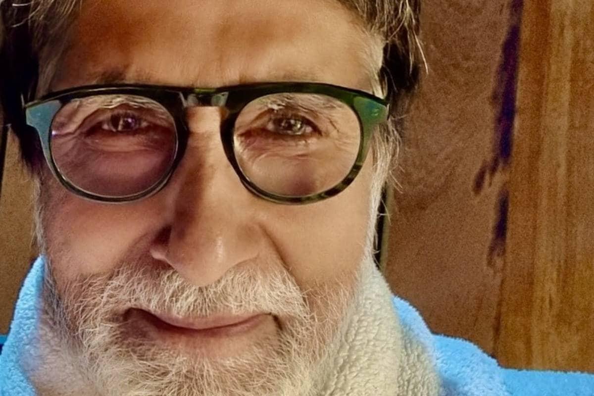 अमिताभ बच्चन ने शेयर की सर्जरी के बाद अपनी पहली तस्वीर, फैंस को कहा 'शुक्रिया'