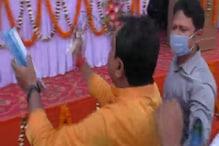 फ्लैक्स पर नहीं थी CM नीतीश की तस्वीर, JDU विधायक ने सभा में काटा बवाल